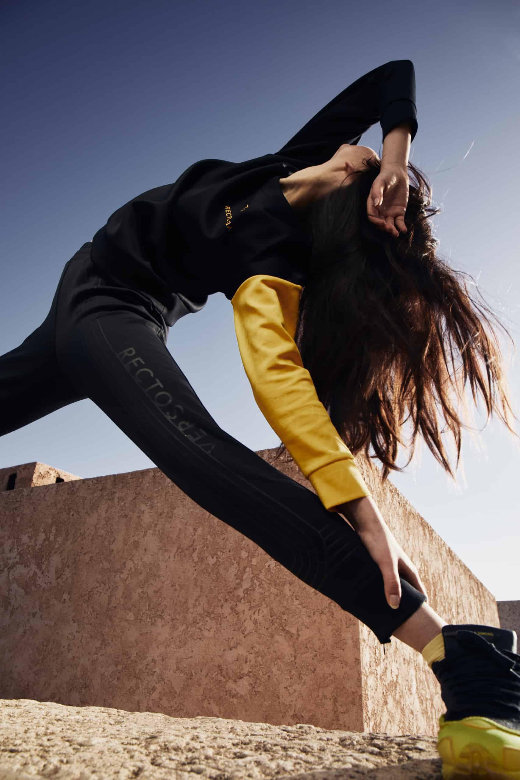 rv-c1-air-wall-black-pants-yellow