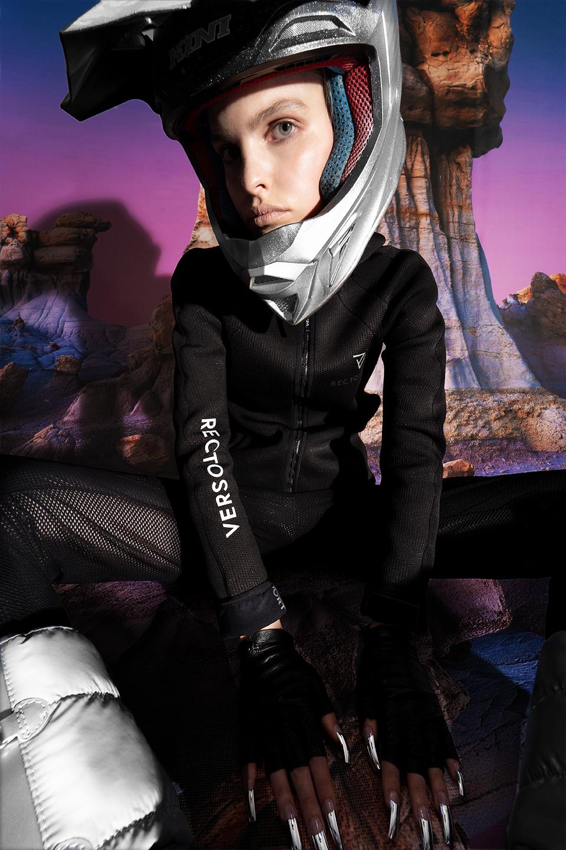 rv-c3-women-black-space-helmet