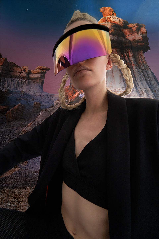 rv-c3-women-black-glasses-space