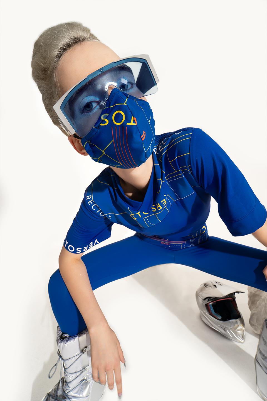 rv-c3-space-women-blue-glasses