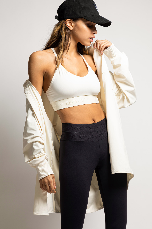 creamy-blouse-sportbh-blackout-legging-voorkant-min