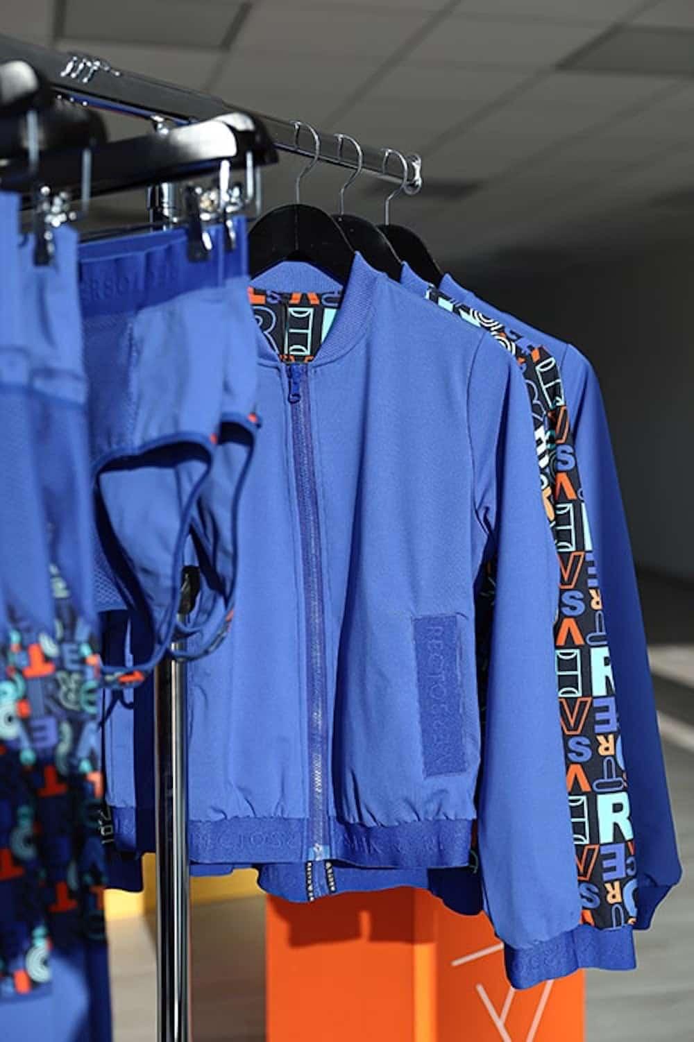 rv-showroom-comic-bomber-sportkledij